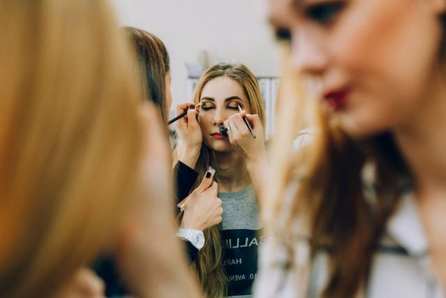 Работа для студентов в челнах для девушек работа для девушки в москве 28 лет